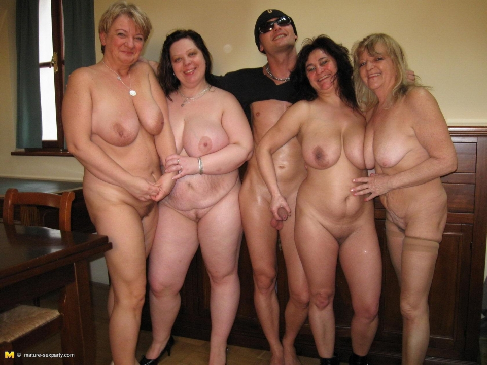 Multiple guys fucking 1 grannys ass