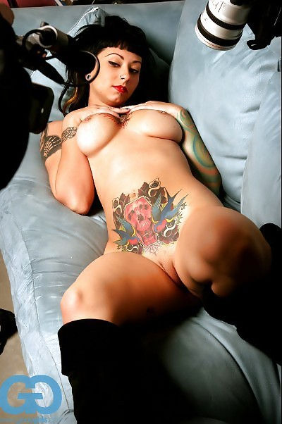 hot women with tattoos naked