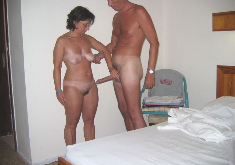 Nude family homemade amateur porn 300X210 size