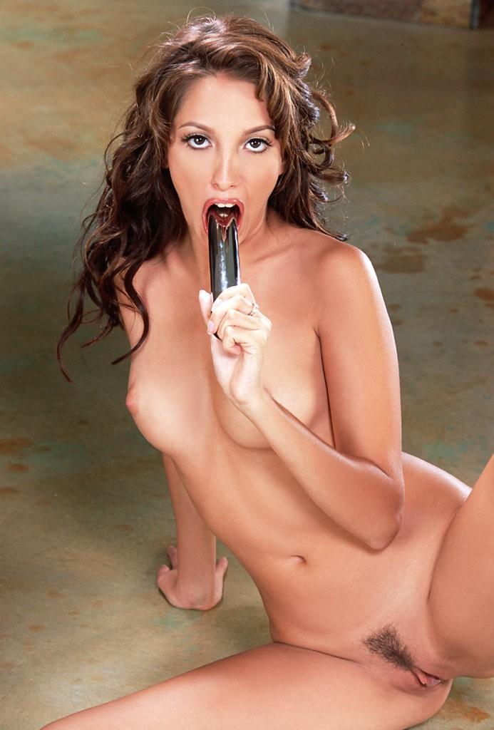 nude yummy mummy havingsex