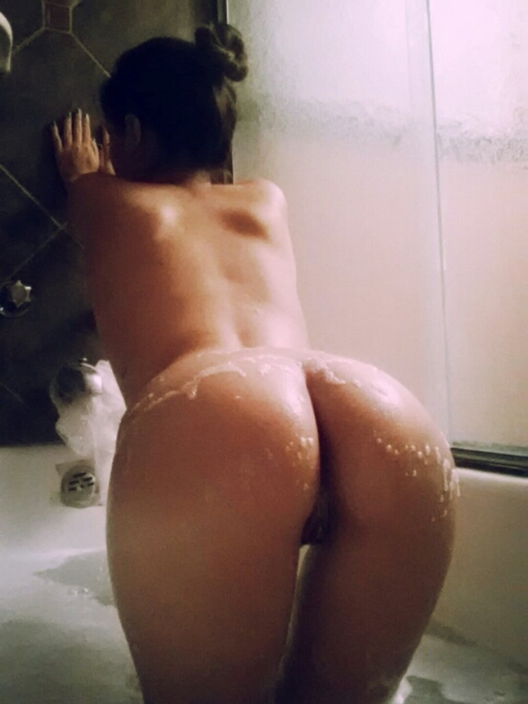 thick white girl ass and pussy
