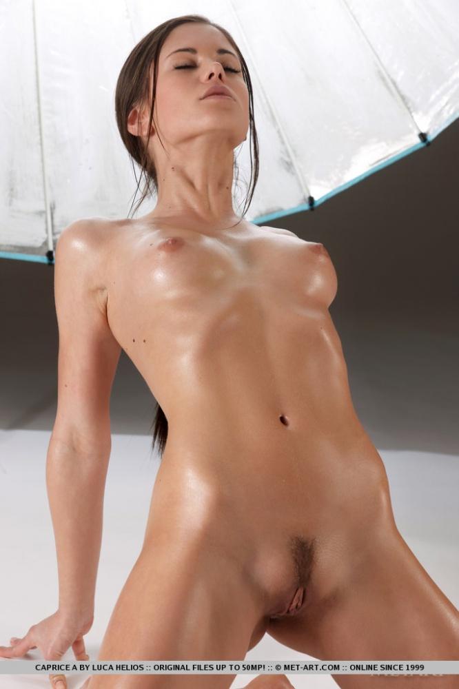 скачать фото little nude
