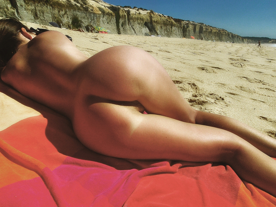 nude filipina girls in beach party pictures