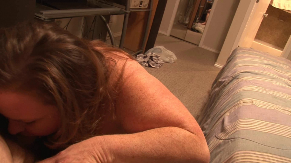 alluring beauty melanie memphis is playing with a fucking machin