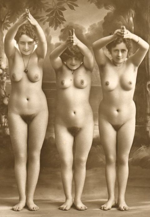 Vintage nude french women 300X434 size