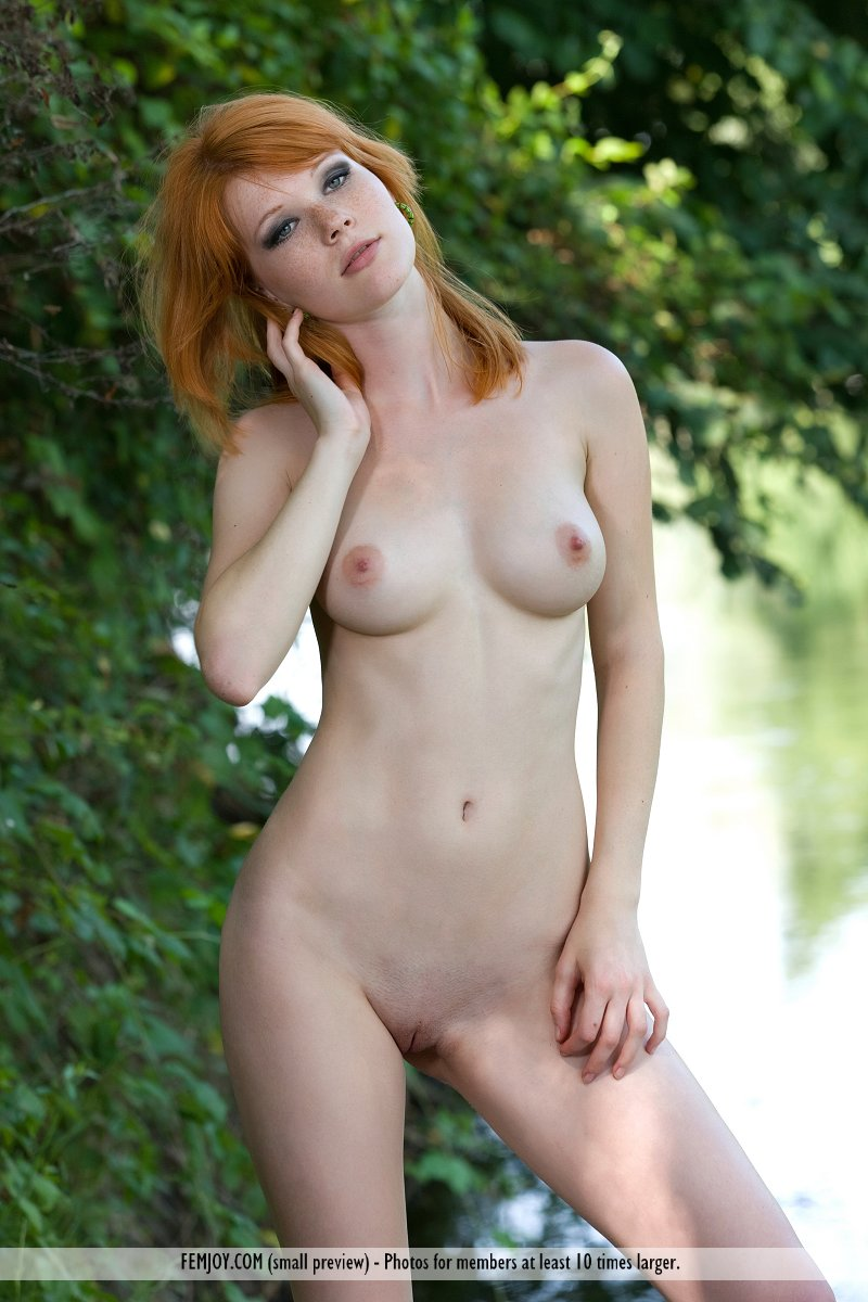 Hope naked redhead thumbs people And