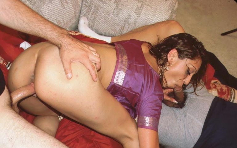 Amateur blindfolded blonde tricked into blowbang 3