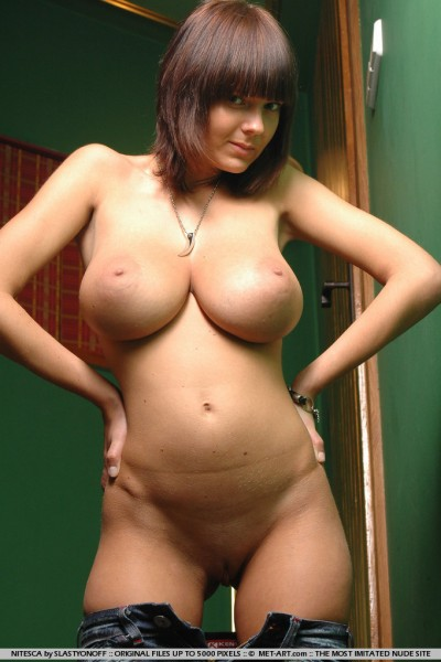 Large naked breasts - Justimg.com