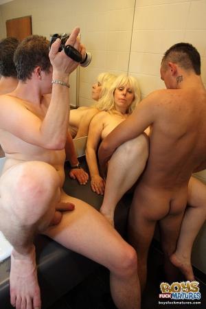 image Lad pissing and senior men pissing photos