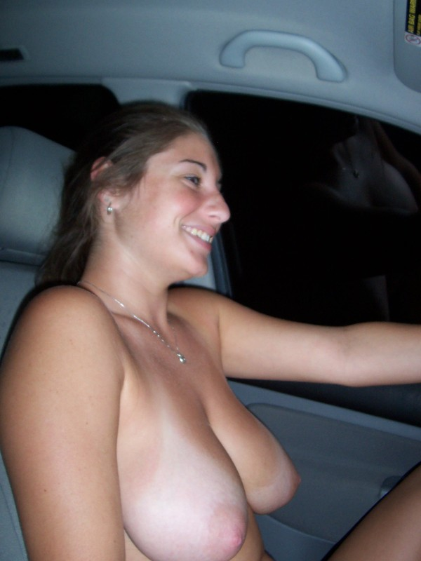 Naked women driving nude car girls 300X400 size