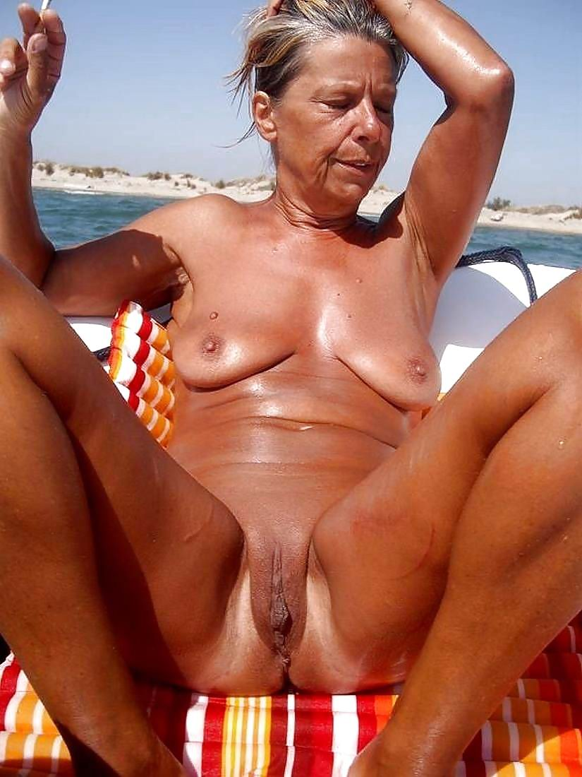 amateur granny nudist beach Candid beach women mature 300X400 size