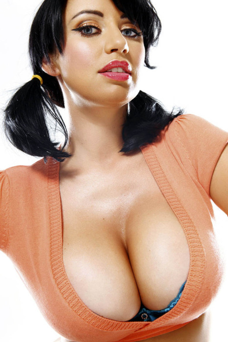 cleavage Sophie howard
