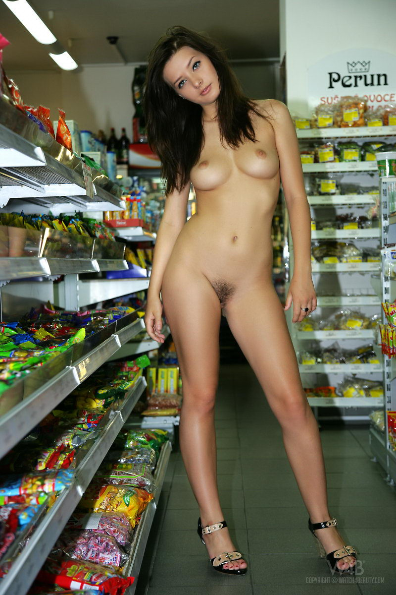 naked women shopping nude in public 300x450 size