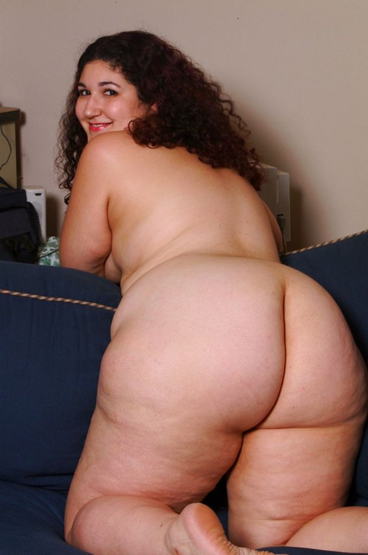 Big tit redhead dancing porn video