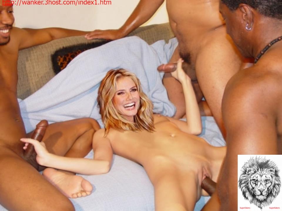 hot naked lesbians   justimg
