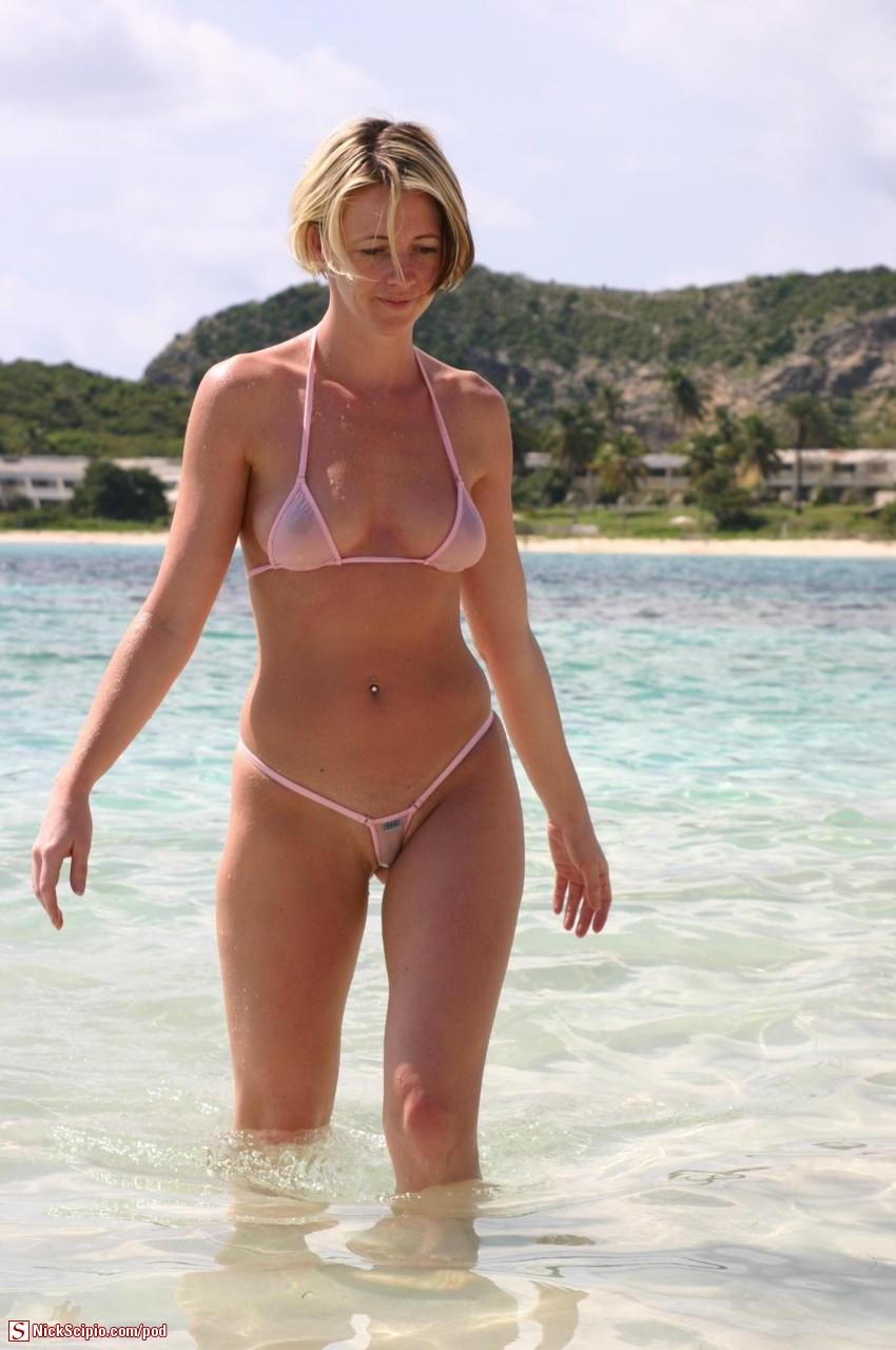 naked women legs open fanny