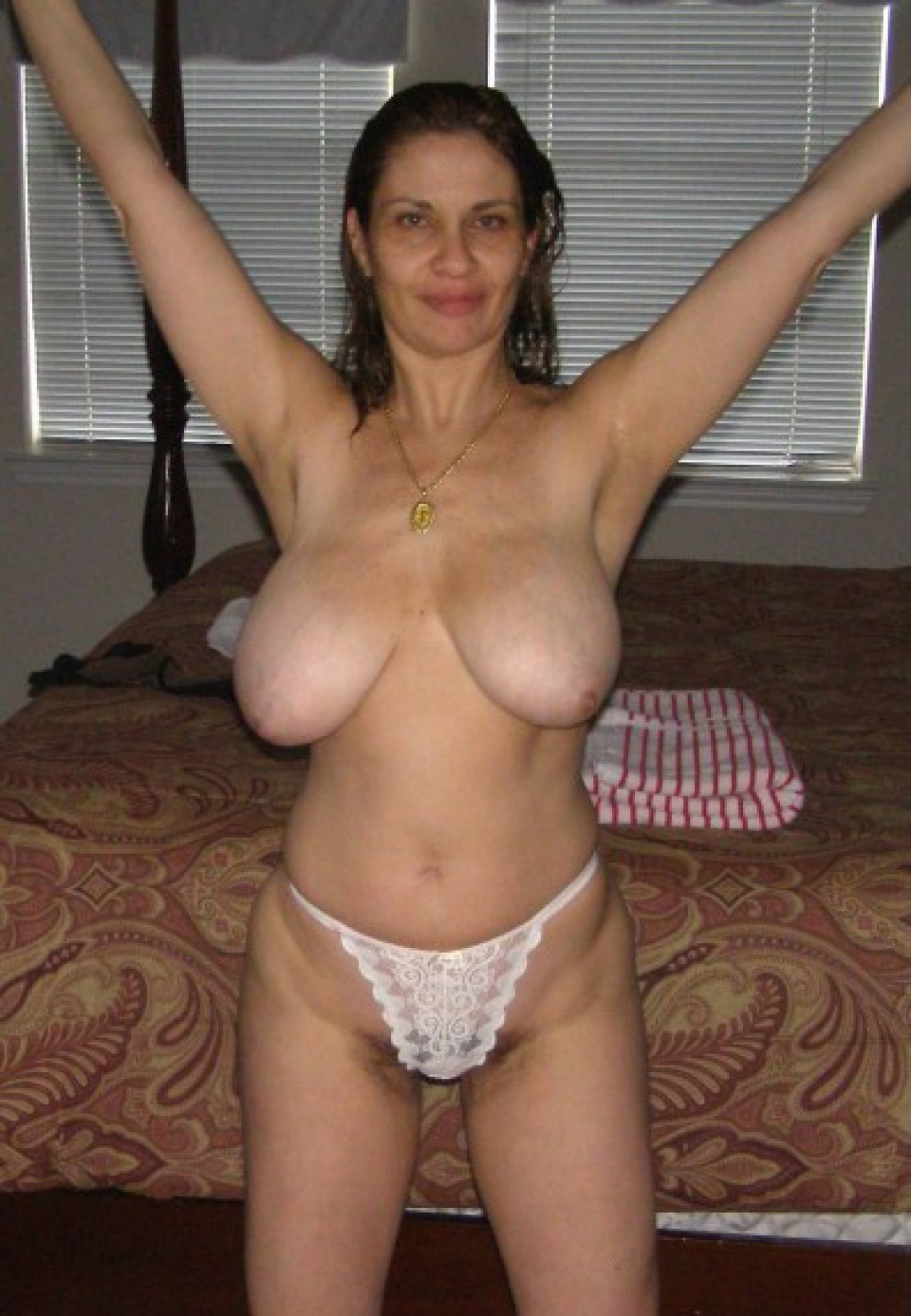 busty amature slut nude