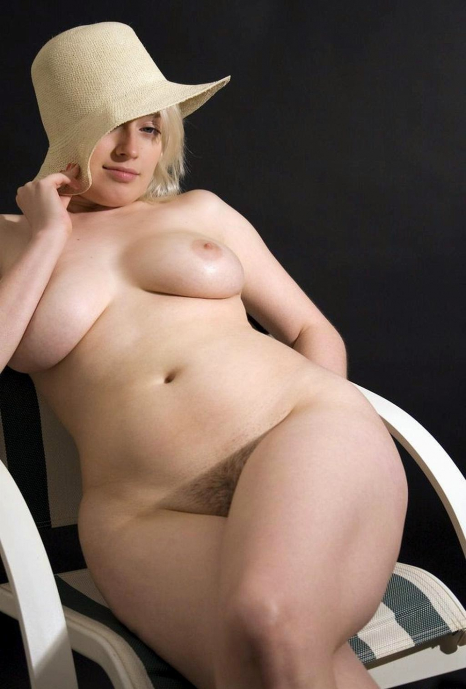 hot nude wide hips girls