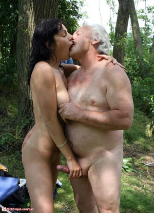 horny mature nudists 300x414 size
