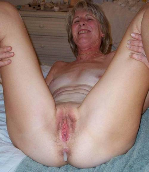 amateur girl eating pussy tumblr full size