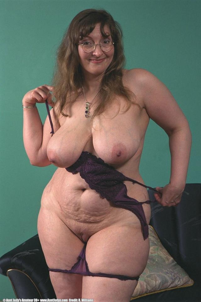 Bbwgranny with huge boobs posing 1