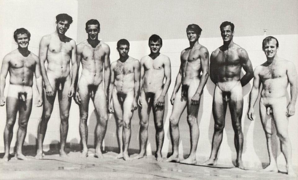 фото голых мужчин ретро