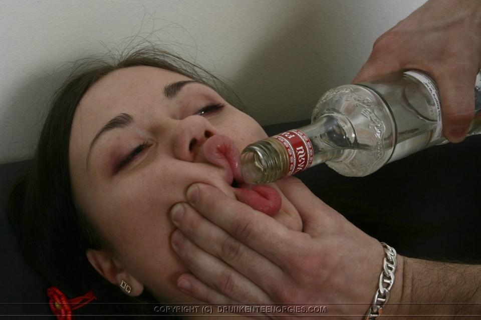 Drunken college girls meando