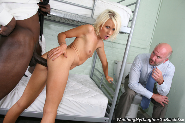 White trash britney young fucked for a few bucks by bbc