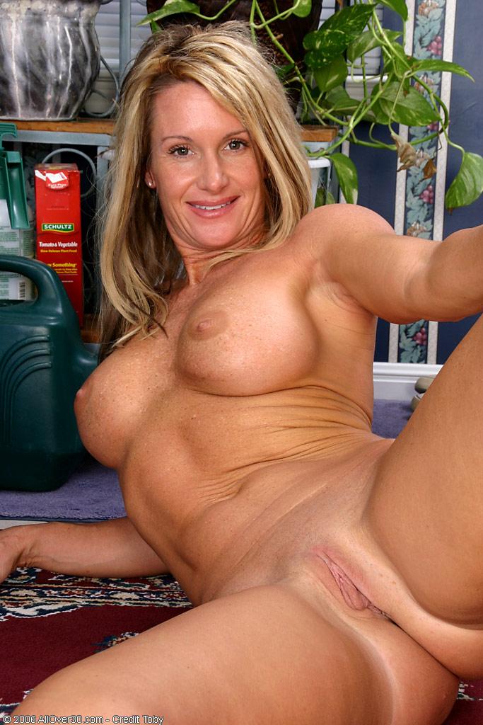 Mature woman big tits - Justimg.com