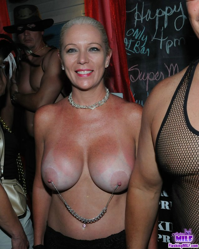 Public tit flashing big boobs - Justimg.com