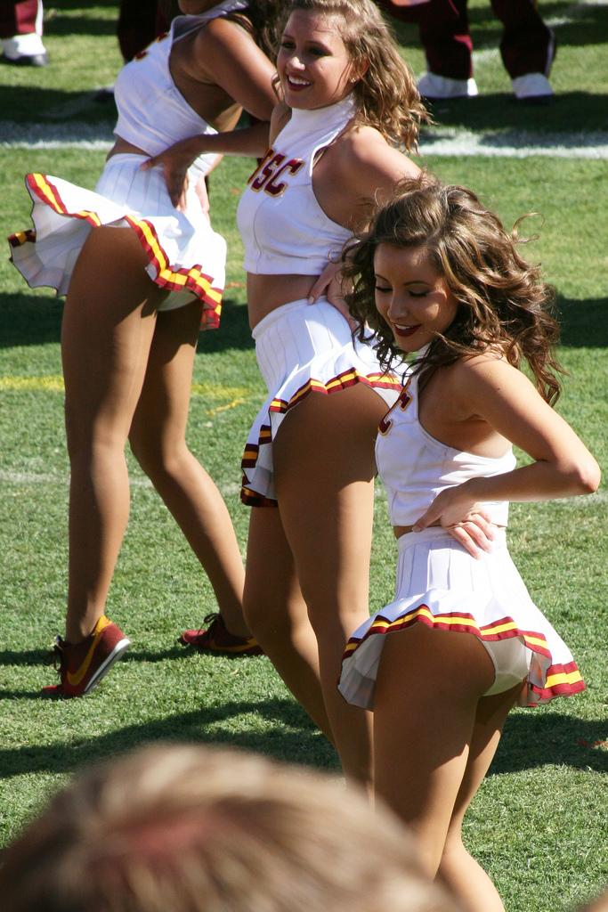 jr high cheerleader ass