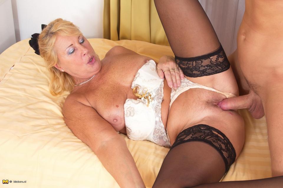 Порно фото траха матюр 22370 фотография