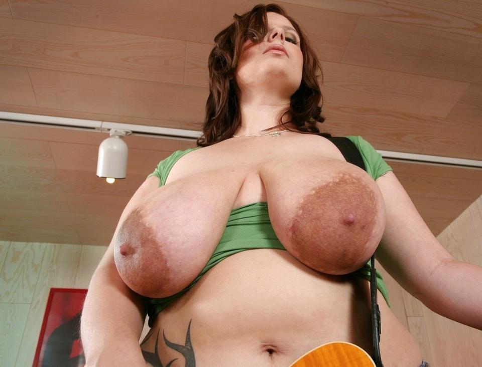 Большие ореолы порно фото