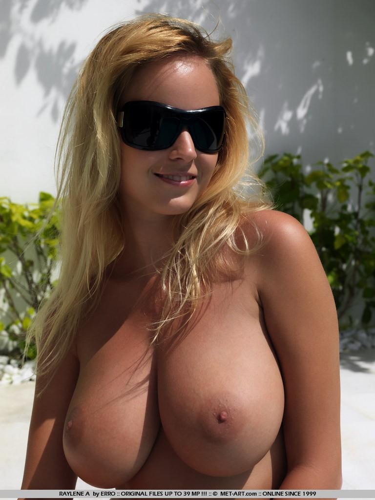 Amazing big natural tits full resolution image: justimg.com/amazing-big-natural-tits.html