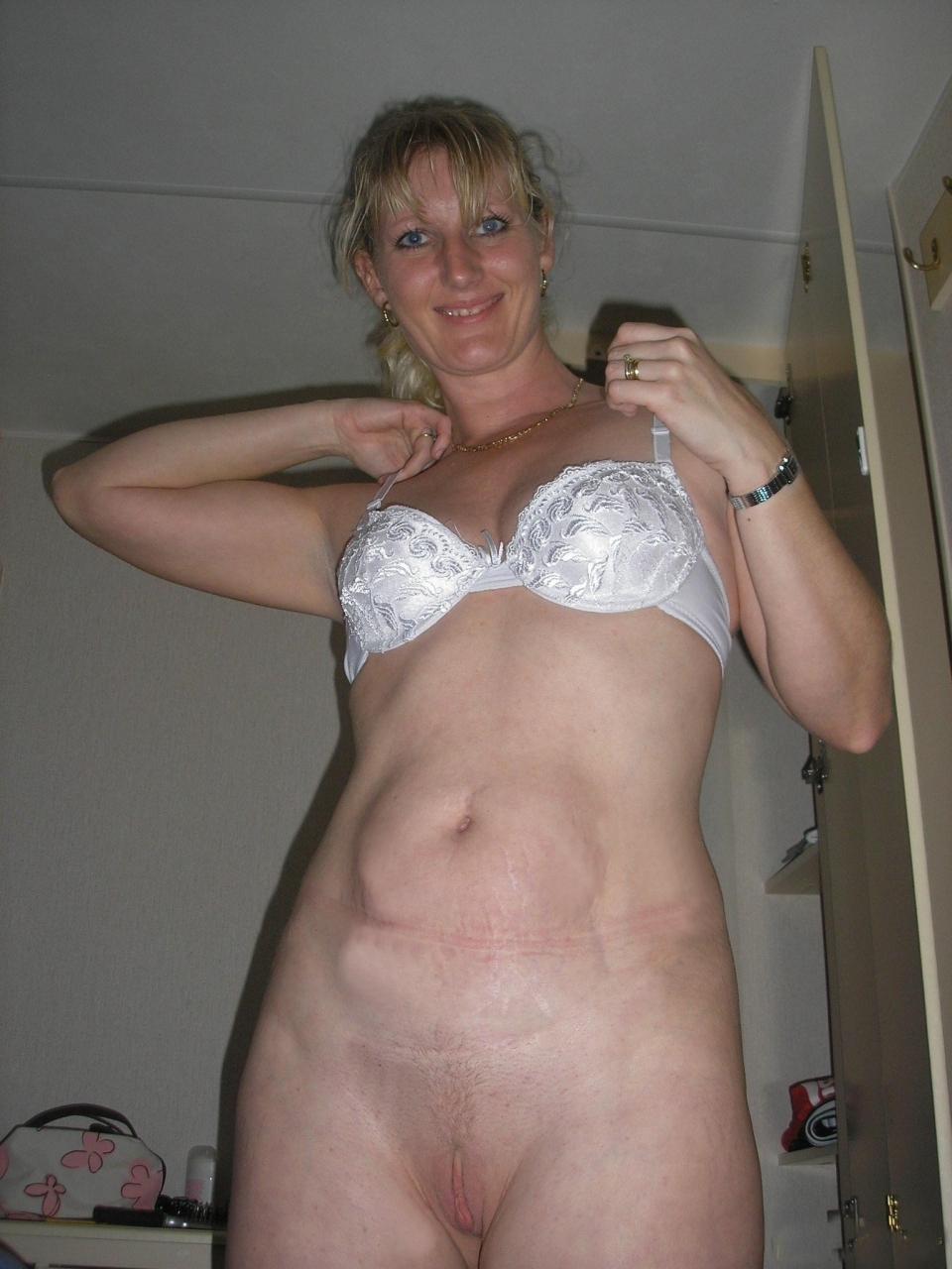 Big Sexy Mature Wives Pics 73