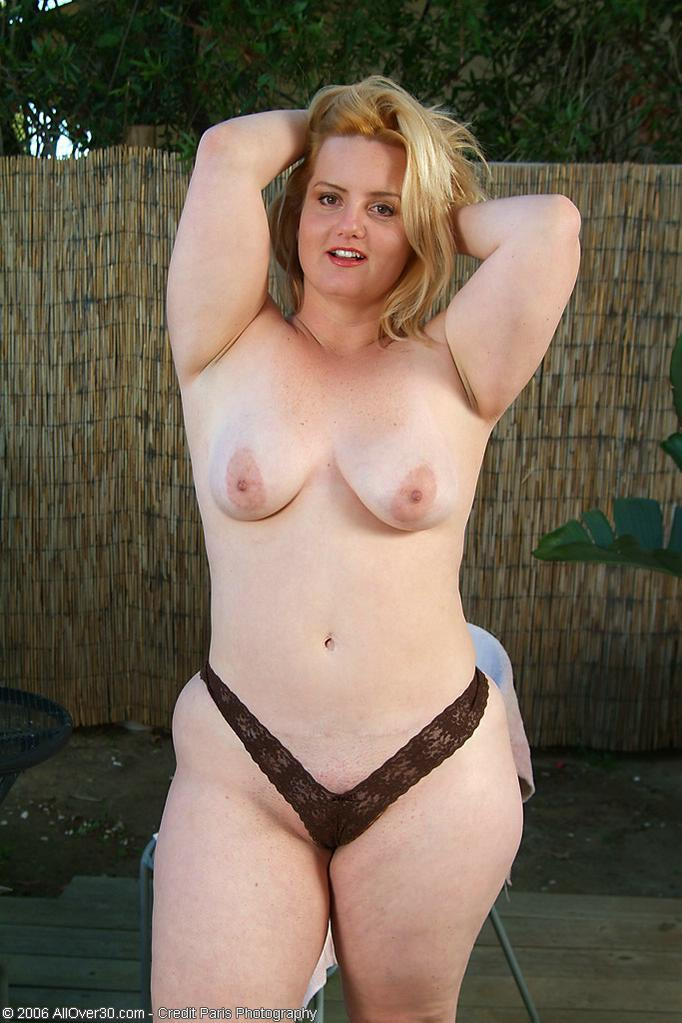 chubby small naked sexy girl