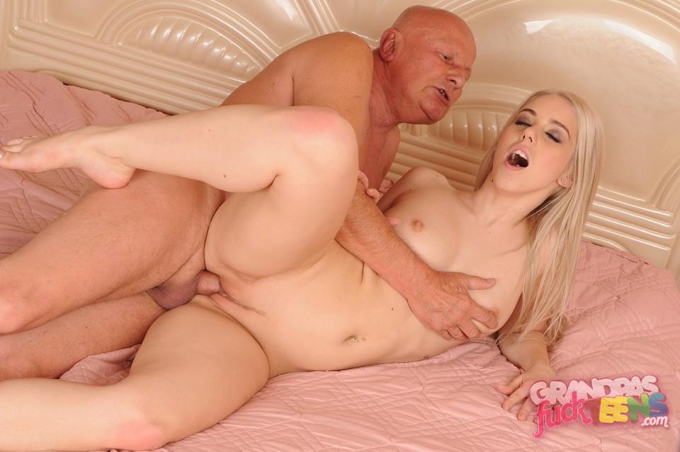 sexy pussy halie james fucking onto cocks