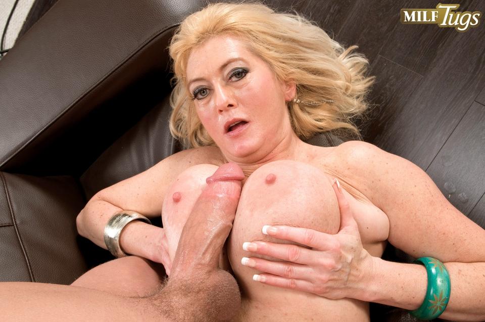 Luscious Amateur Tugging Big Dick