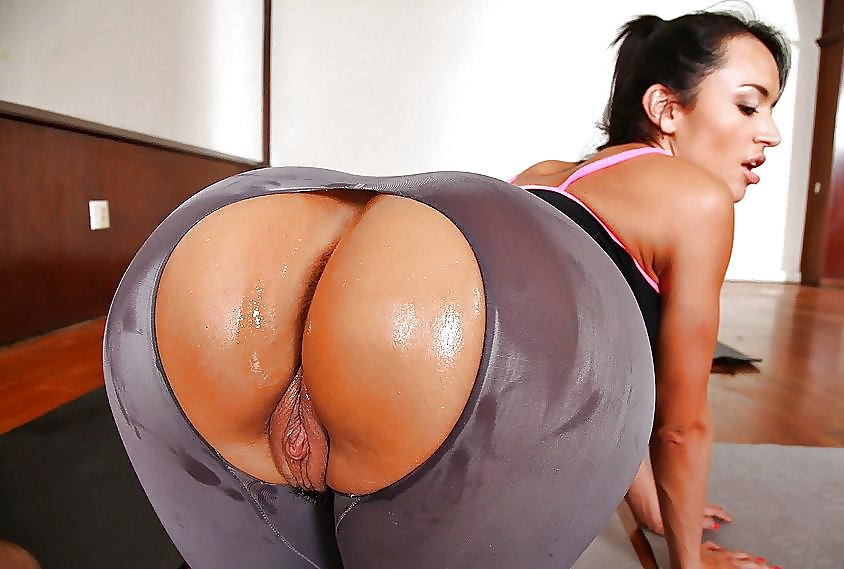 bigass in yoga pants anal