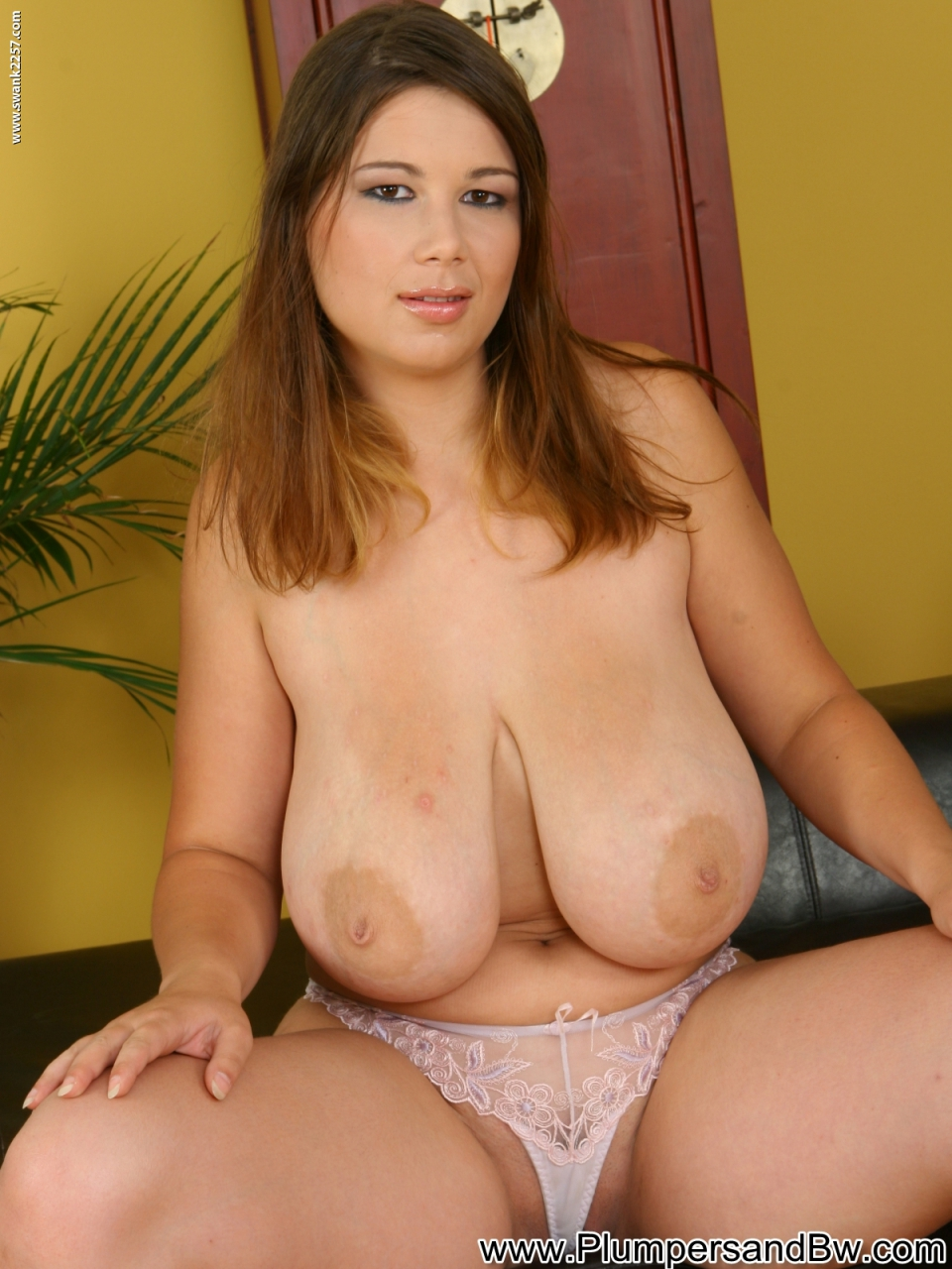 Naked latina picturesnaked latina pictures