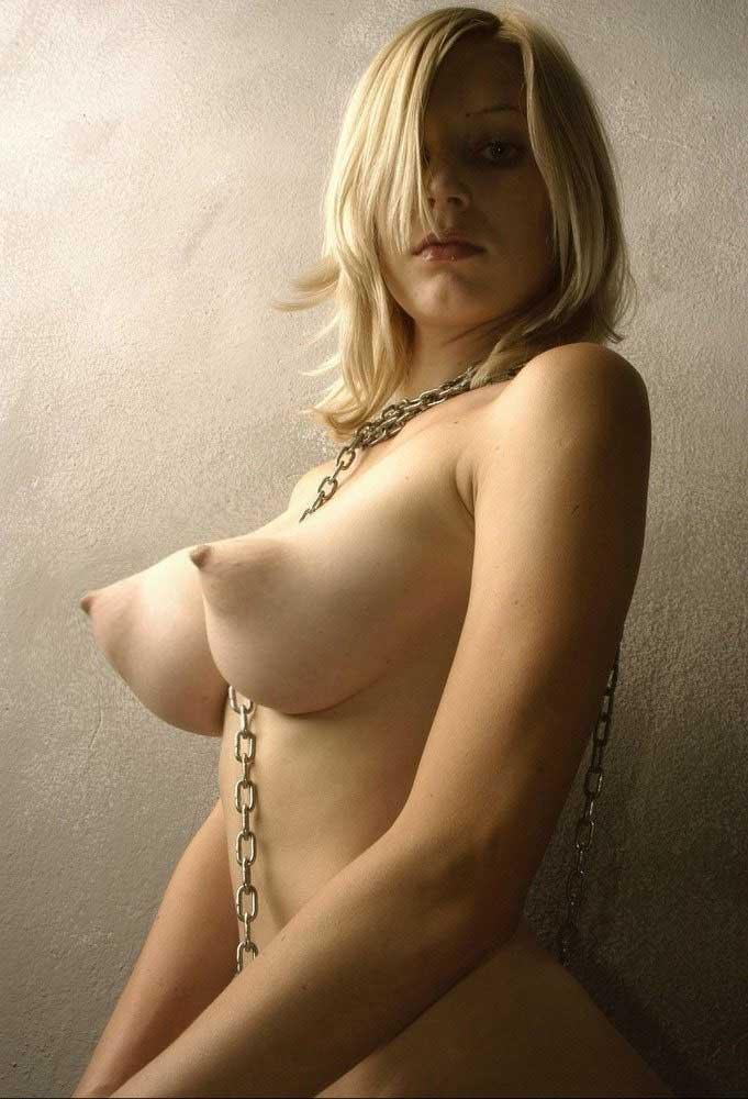 huge lesbian anal dildo