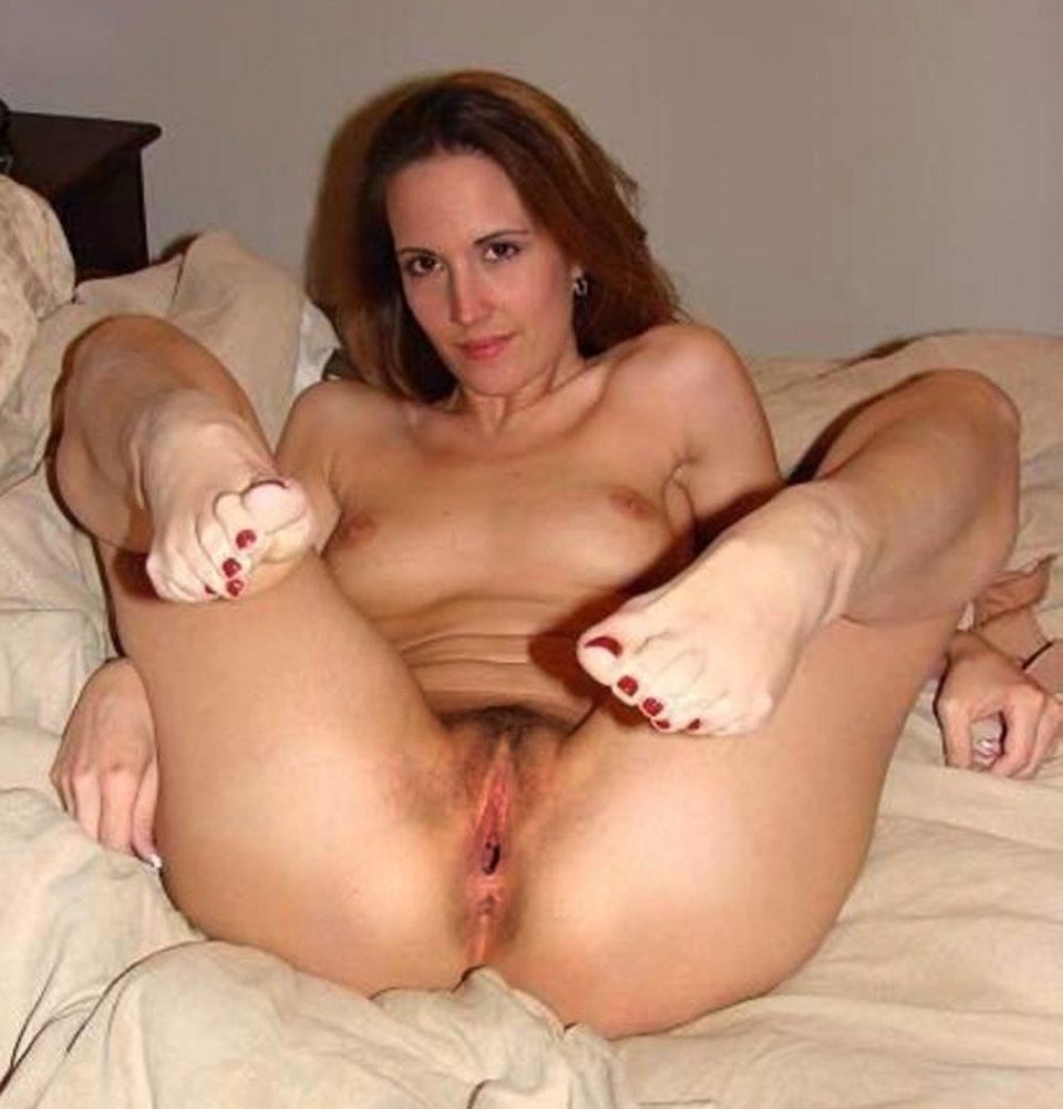 milfs fooling around on husbands bed