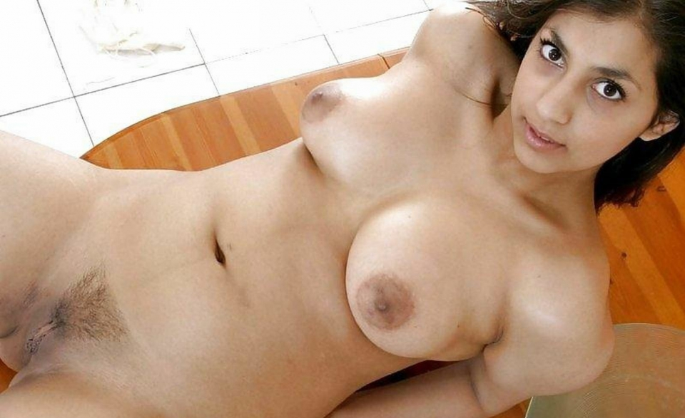 Beautiful middle eastern pussy