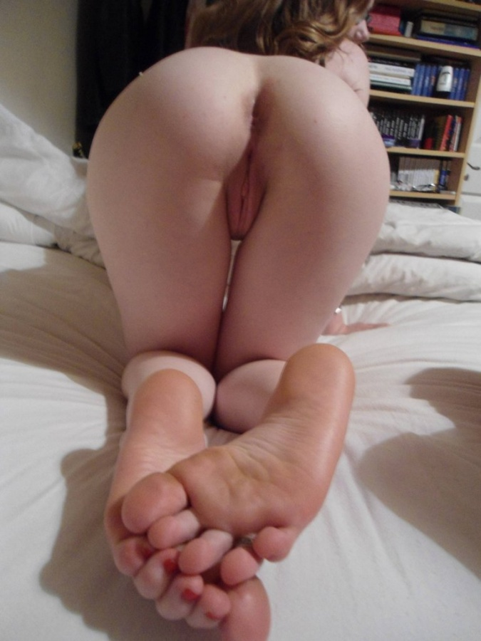 lonely nude girls pic