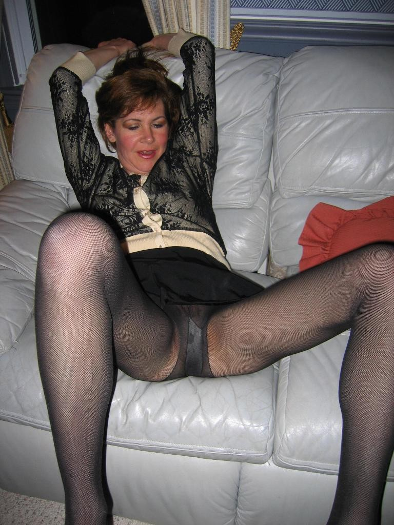 Mature Women Up Skirt