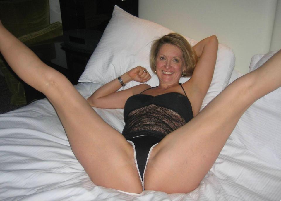 kushboo hot nude photo