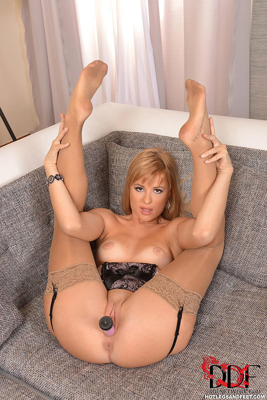 hot busty portuguese women nude full size