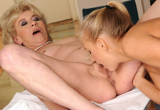 lesbian grannies eating old pussy full size