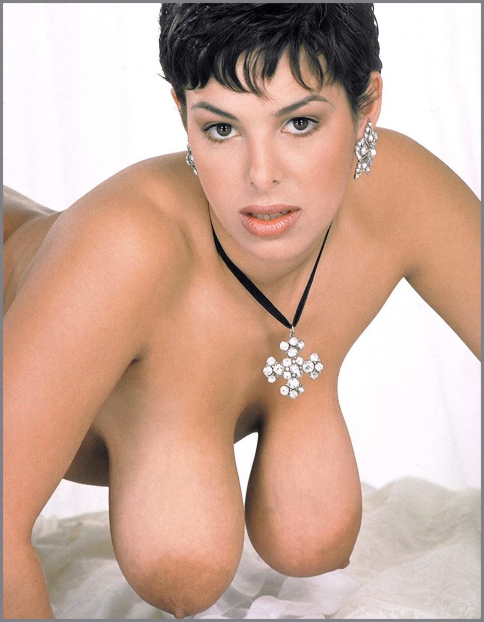 Big floppy tits pics