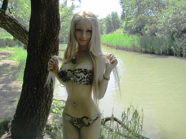 alive barbie girl naked